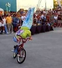 cirque bicycle act